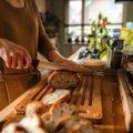 Tabla de corte de bambú y cuchillo de pan Functional Form